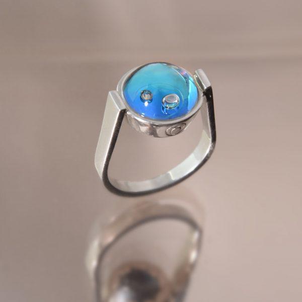 A víz érintése gyűrű