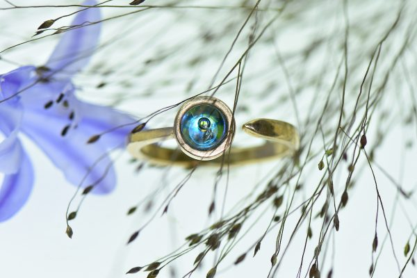 Elementáris álmok eljegyzési gyűrű antik magyar templomüvegből
