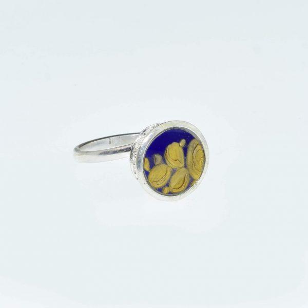 Az arany ecsetvonás gyűrűje