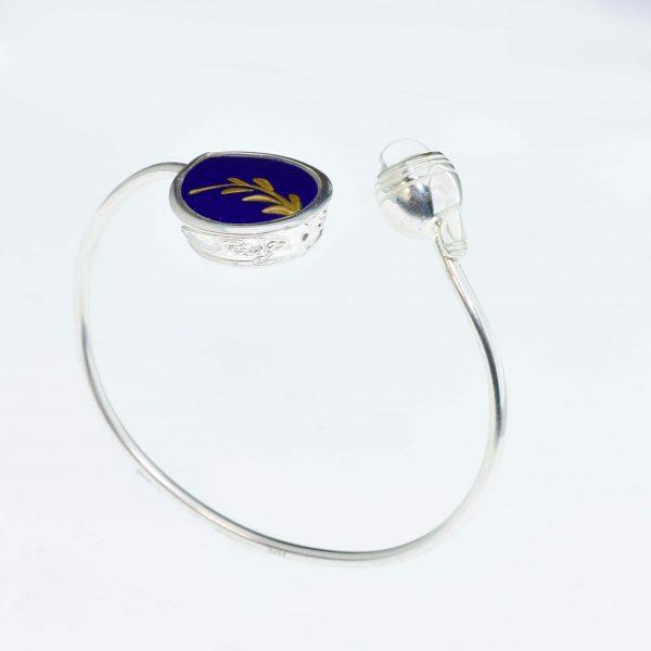 Sevres-i kék csepp karperec aranysárga rügyfakadással
